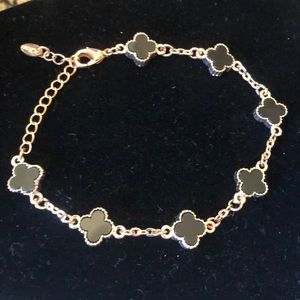 Jewelry - Clover Black Gold bracelet